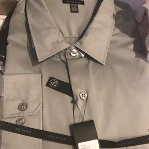 New with tags Van Heusen shirt